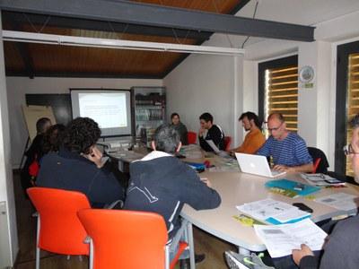 """L'Associació pel Desenvolupament Rural de la Catalunya Central participa a un curs de """"Guia per itineraris amb bicicleta"""" impartit al Consorci del Lluçanès."""