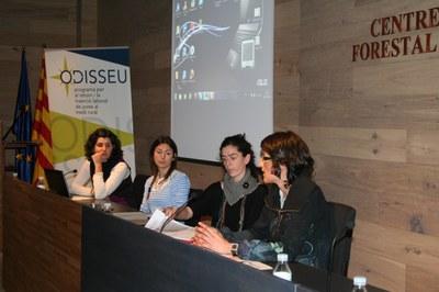 """Sessió de treball del projecte """"ODISSEU: Programa per al retorn i la inserció laboral dels joves al medi rural""""."""