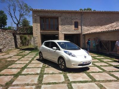 """Jornada sobre mobilitat amb vehicle elèctric a """"Mas Vinyoles Hub"""" (Associació Leader Ripollès Ges Bisaura)."""